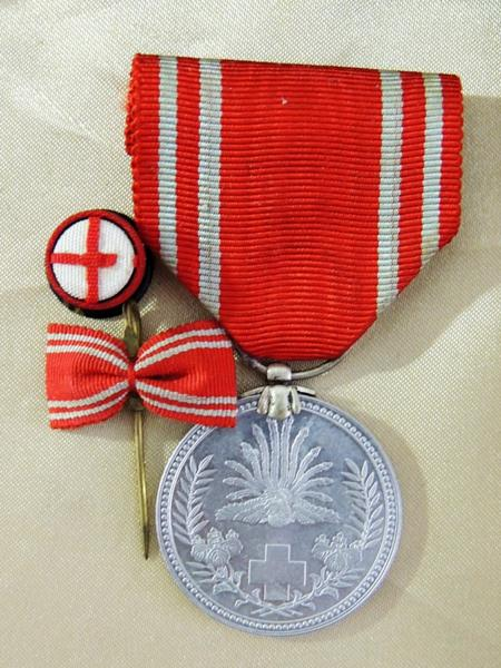 勲章・日本赤十字社章 昭和二十一年 女子用